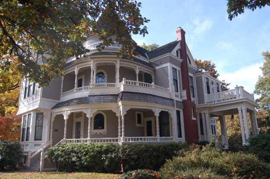 amazing-white-gray-queen-anne-victorian-mansion-gray-painted-wood-wall-paneling-rounded-house-turret-open-airy-terrace-victorian-house-designs-architecture-home-design-wonderful-victorian-style-house