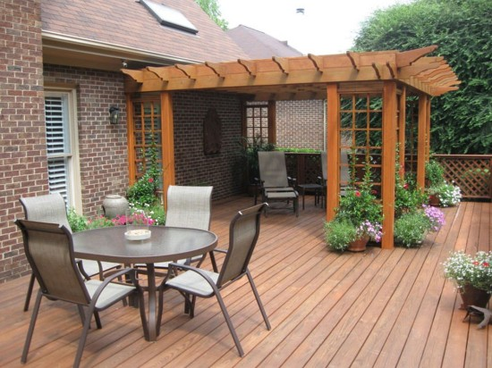 simple-wooden-decking-ideas-for-backyard-patio1-1024x768